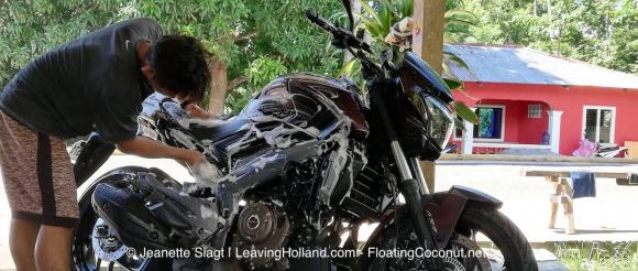 motor wassen, buitenland, filipijnen, mexico, kawasaki Dominar 400, BMW G 310GS